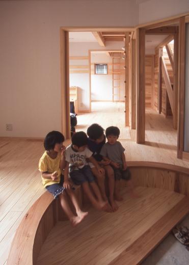 国産無垢材(栗駒材 自然素材)平屋の子育ての写真4