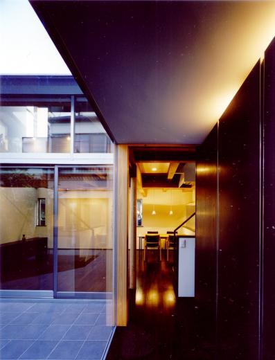 光をつなぐ家の写真1