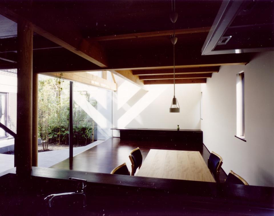 光をつなぐ家の写真3
