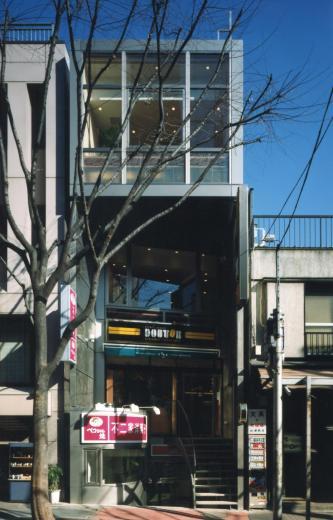 神楽坂ビル - 不二家「ペコちゃん焼き」 + ドトールの写真0