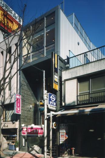 神楽坂ビル - 不二家「ペコちゃん焼き」 + ドトールの写真1