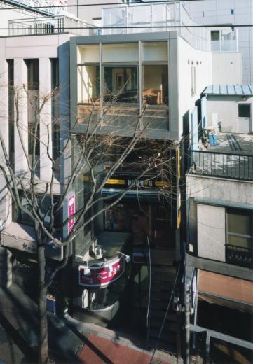 神楽坂ビル - 不二家「ペコちゃん焼き」 + ドトールの写真5