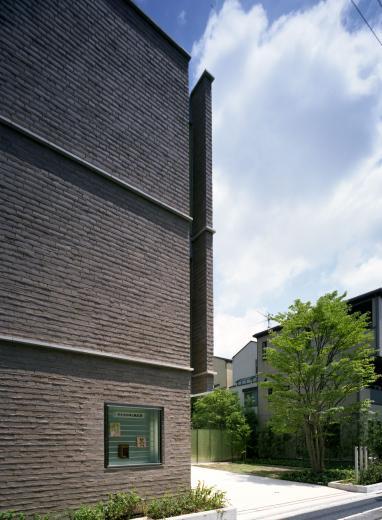 童心社本社ビルの写真1