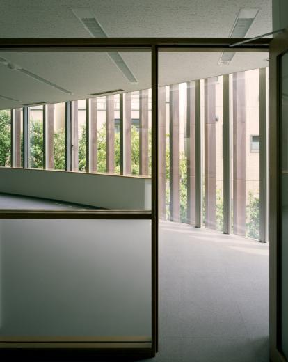 童心社本社ビルの写真5