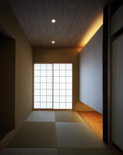 【白鷺の家】  吊り橋のように、宙に浮くバルコニーの家の写真5