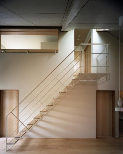 【白鷺の家】  吊り橋のように、宙に浮くバルコニーの家の写真7