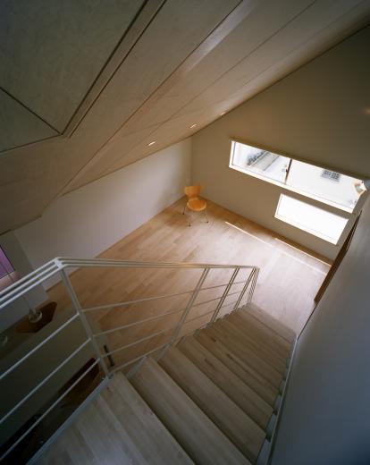 【白鷺の家】  吊り橋のように、宙に浮くバルコニーの家の写真8