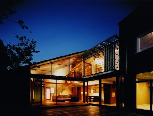 光を抱く家の写真4