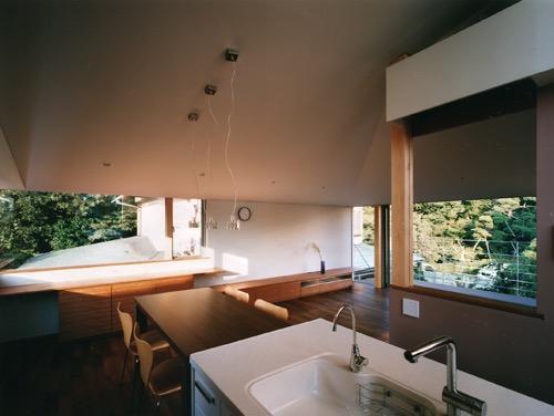 森を望む家の写真3