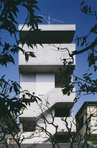 世田谷アパートメントの写真1