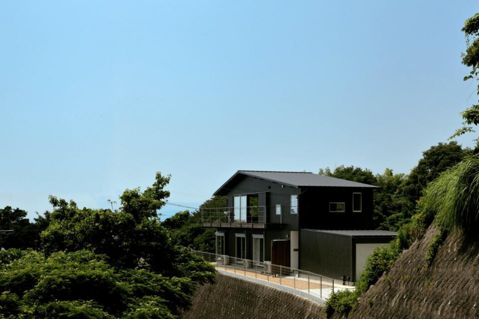 船上デッキからの景色が望める家の写真0