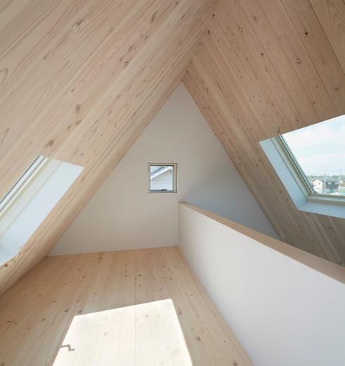 屋根裏部屋の家 house in utsunomiyaの写真9