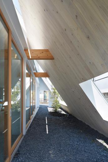 屋根裏部屋の家 house in utsunomiyaの写真1