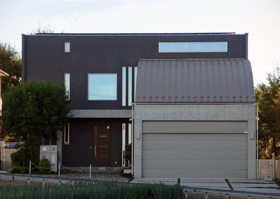 調整区域に佇むRC混構造の家の写真2