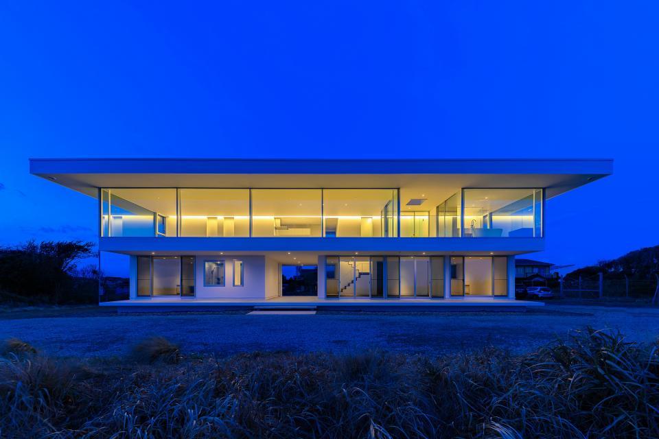 水平線の家 大海原の風景と暮らす家の写真0