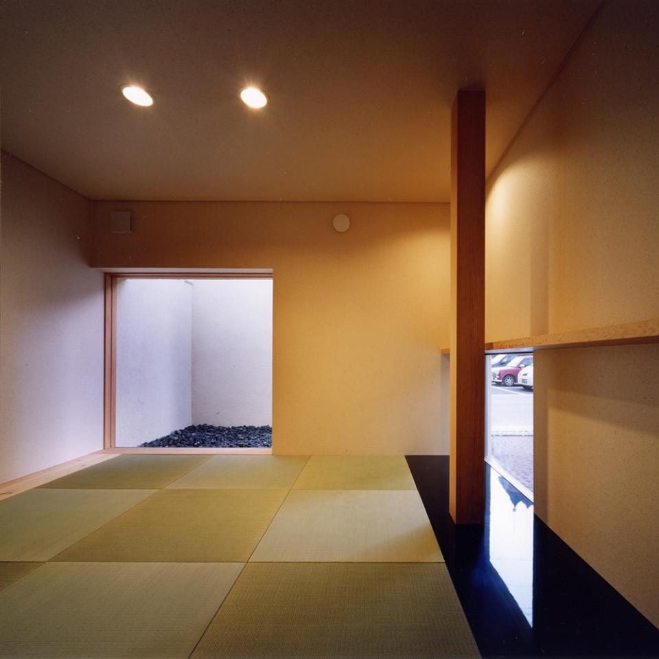 中庭と水盤のある家|上新田の家の写真5