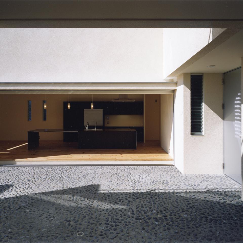 中庭と水盤のある家|上新田の家の写真6