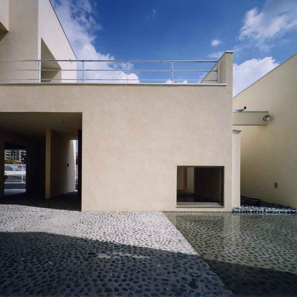 中庭と水盤のある家|上新田の家の写真8