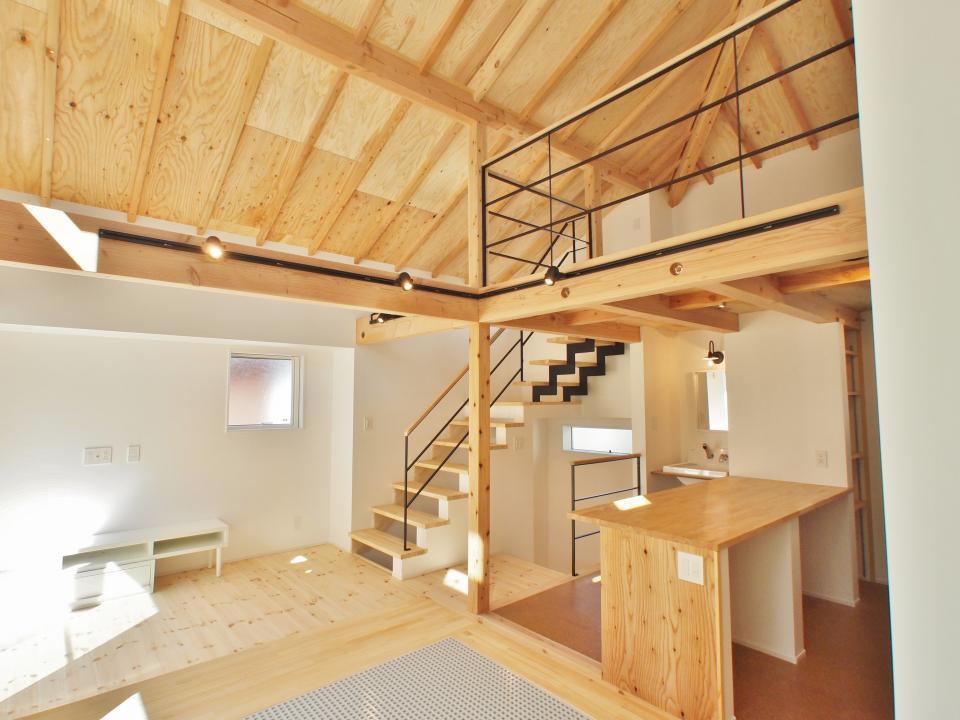 格子壁の住宅の写真0