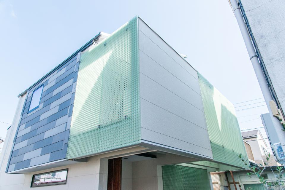 格子壁の住宅の写真3