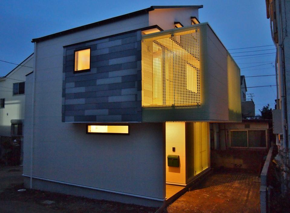 格子壁の住宅の写真5