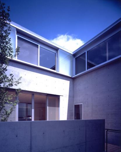 I-HOUSE RC造と木造の混構造 柔らかい光の空間 の写真1