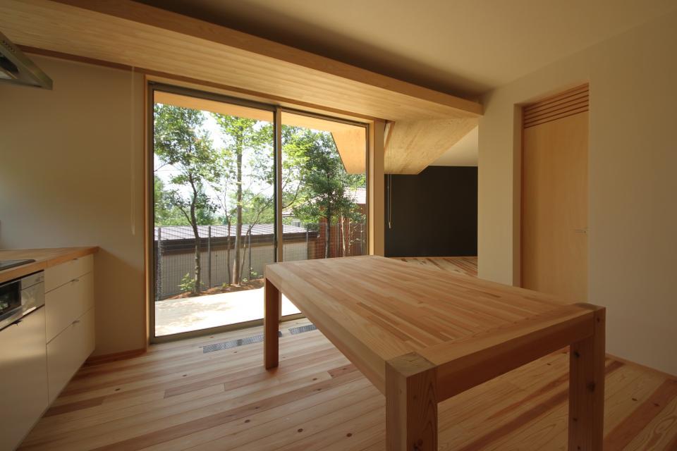 acubens/高台で、基本は平屋だけど 潜望鏡のように2階に上がると富士山が拝めるかたちを考える。の写真2