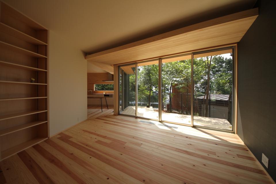 acubens/高台で、基本は平屋だけど 潜望鏡のように2階に上がると富士山が拝めるかたちを考える。の写真4