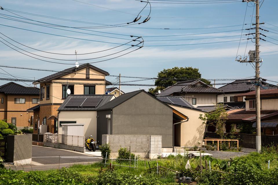 acrab/HUBのような役割を持つ、光庭をめぐる2層の回遊動線をもつ住宅。の写真6