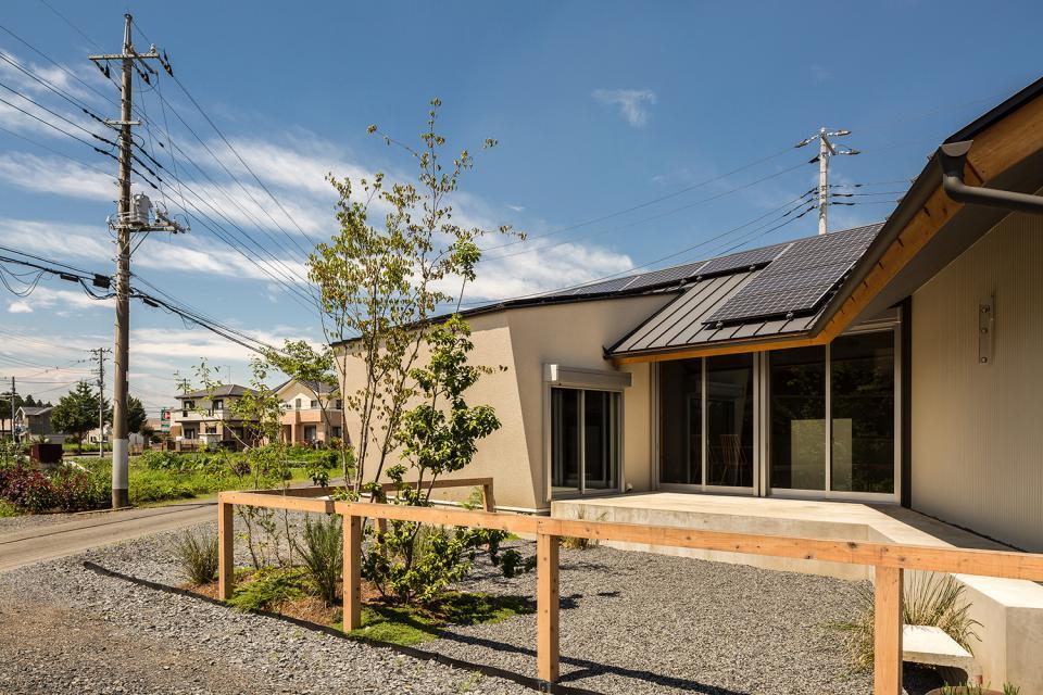 acrab/HUBのような役割を持つ、光庭をめぐる2層の回遊動線をもつ住宅。の写真7