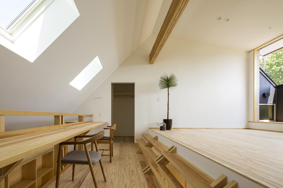 castor/単純な大屋根形状に普遍的な間取りを、立体的断面形状で組み込んでみる。の写真15