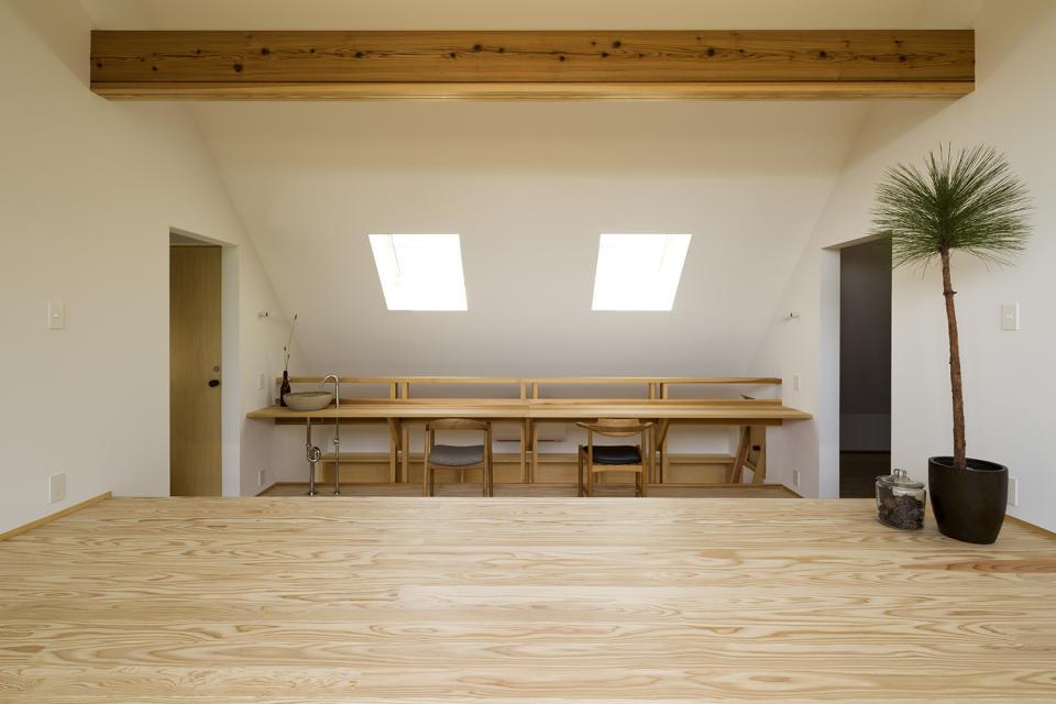 castor/単純な大屋根形状に普遍的な間取りを、立体的断面形状で組み込んでみる。の写真16