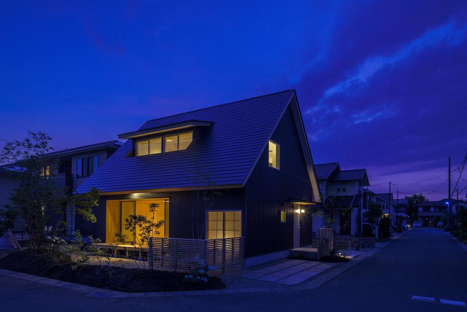 castor/単純な大屋根形状に普遍的な間取りを、立体的断面形状で組み込んでみる。の写真18