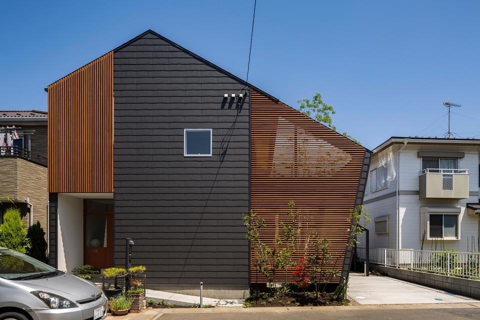 elnath/平面的、立体的な斜めの壁によって構成された空間を考えてみる。の写真0