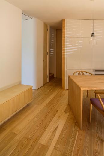 elnath/平面的、立体的な斜めの壁によって構成された空間を考えてみる。の写真16