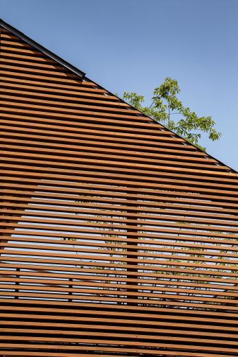 elnath/平面的、立体的な斜めの壁によって構成された空間を考えてみる。の写真17