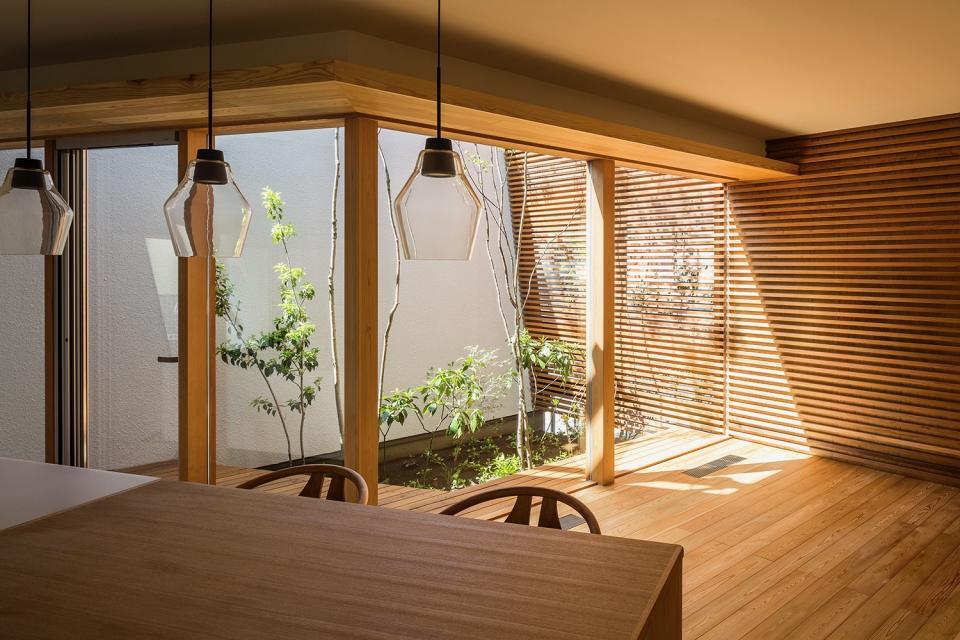 elnath/平面的、立体的な斜めの壁によって構成された空間を考えてみる。の写真2