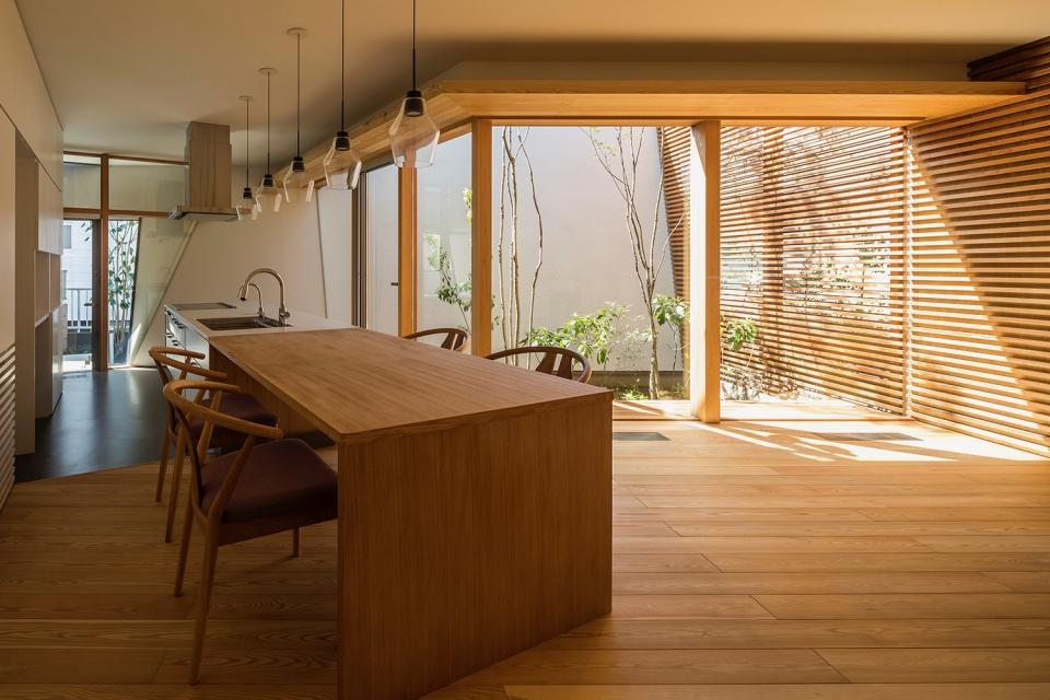 elnath/平面的、立体的な斜めの壁によって構成された空間を考えてみる。の写真3