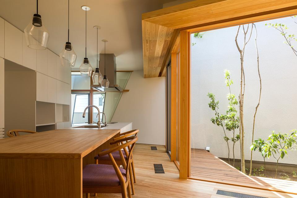 elnath/平面的、立体的な斜めの壁によって構成された空間を考えてみる。の写真4