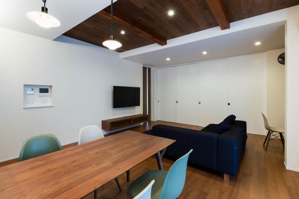 段々天井の家の写真6