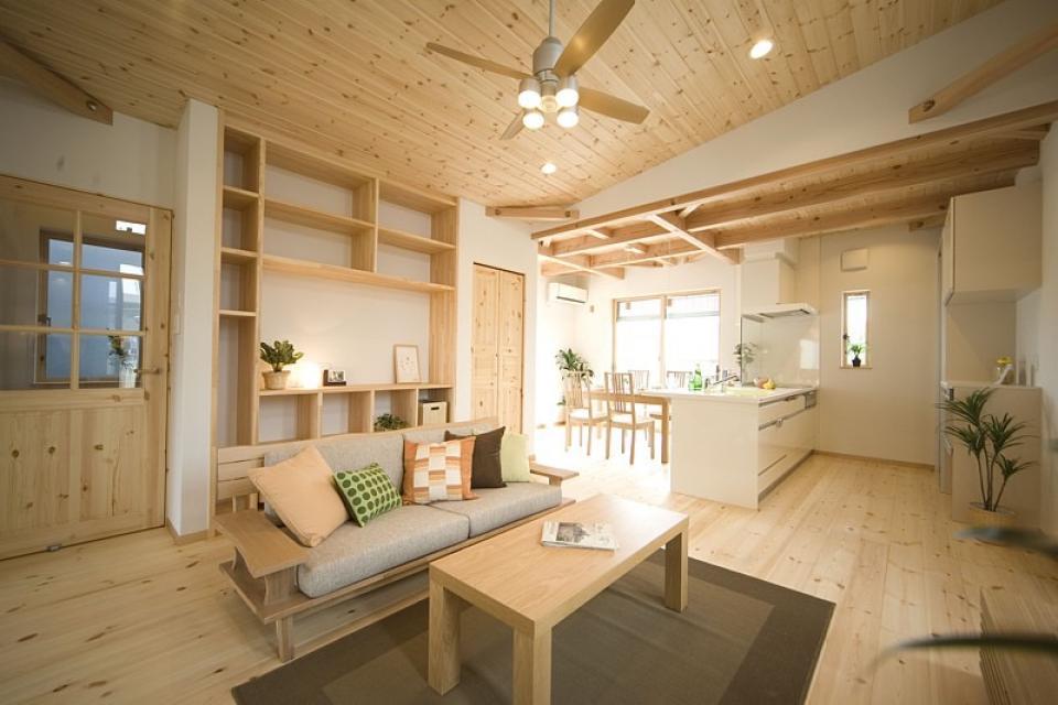 四季を感じ、人に優しい家  ~箱型バルコニーのシンプルモダンの家~ の写真9