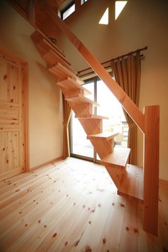 ロフト付き平屋建て住宅 ~天井高さ5.4Mの大空間リビング~の写真2