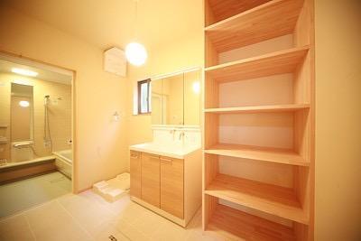 ロフト付き平屋建て住宅 ~天井高さ5.4Mの大空間リビング~の写真8
