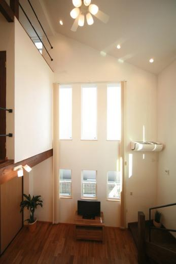 天井高さ7.0Mのリビングと真壁和室がある住まい。の写真10