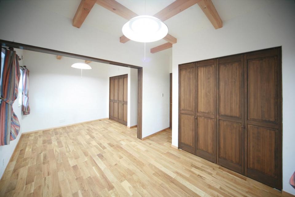 天井高さ7.0Mのリビングと真壁和室がある住まい。の写真12