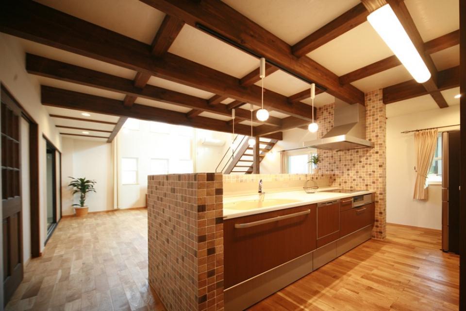 天井高さ7.0Mのリビングと真壁和室がある住まい。の写真6