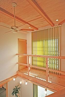 桜の遊歩道を借景に、生活しやすい動線の和モダンの家の写真16