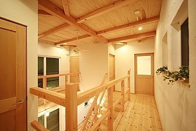 桜の遊歩道を借景に、生活しやすい動線の和モダンの家の写真17