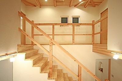 桜の遊歩道を借景に、生活しやすい動線の和モダンの家の写真18