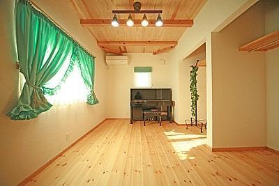 桜の遊歩道を借景に、生活しやすい動線の和モダンの家の写真20